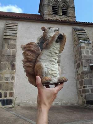 L'écureuil sympathique à Montaigut en Combraille